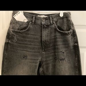 ZARA CROPPED DISTRESSED BLACK DENIM CAPRIS:Size 30